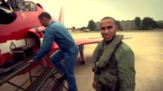 Lewis Hamilton flies with the RAF Red Arrows (BBC Sport F1 2013) - British Grand Prix
