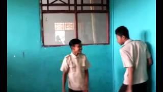 Pertarungan di kelass smp nudia