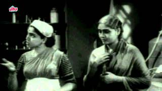 Maid Argues with Sulochana - Molkarin, Scene 9/14