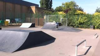 cam skating haltenprice 31-08-2010.MOV
