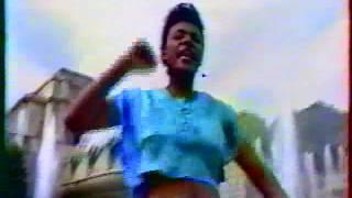 Tshala Muana - Mpokolo (clip)