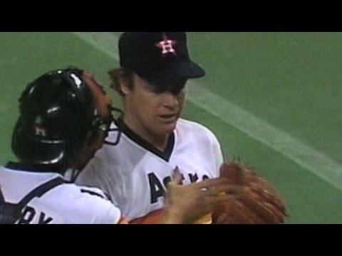 1986NLCS Gm1: Scott wins game with 14th strikeout