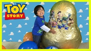 GOLDEN GIANT EGG SURPRISE OPENING Disney Toy Story Woody Buzz Lightyear Ryan ToysReview