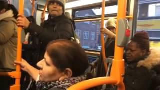 DESI AUNTY FIGHTING IN LONDON BUS