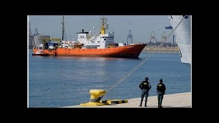 News Migrant boat turned away by Italy arrives in Spain