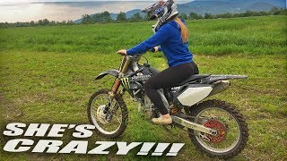 She Loves Dirt Bikes - Girl rides for the first time!
