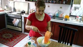 Cooking with Mona.. making Tah Chin (iranian dish)
