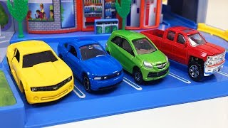 Aprende Los Colores Para Niños Tomica Carretera Circulatoria Hot Wheels Carros y Camiones Colores