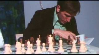 Bobby Fischer and his Dubrovnik chess set