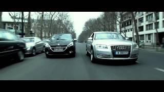 Audi A8 trong phim 3 ngày đối mạng