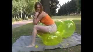 Balloon Sit Pop In Park