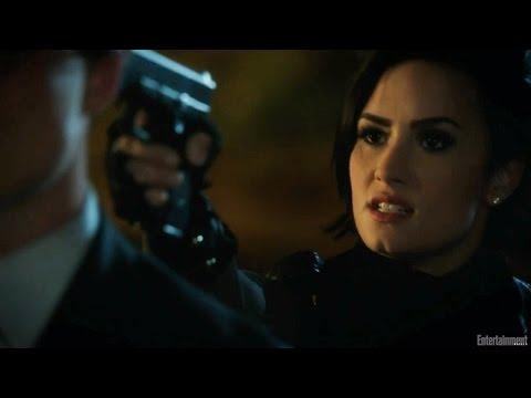 Demi Lovato Defends Her Man In