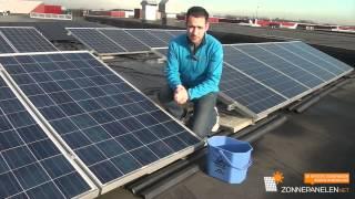 Schoonmaken zonnepanelen - uitleg door Zonnepanelen.net