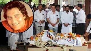 दिग्गज अभिनेता विनोद खन्ना का निधन, Bollywood में शोक का माहौल Actor Vinod khanna passes away at 70