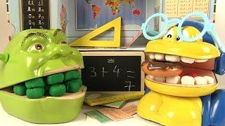 Shrek et le Singe à l'Ecole Valise Vilac Les Devoirs