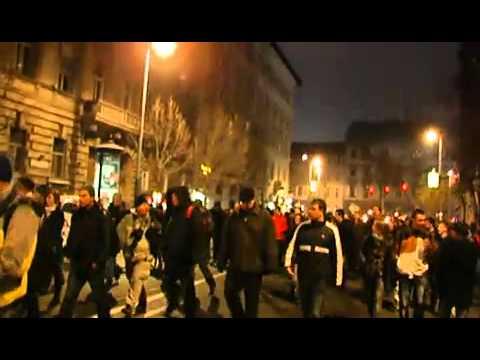 részlet az egyetemisták felvonulásáról (Deák tér -- Parlament)