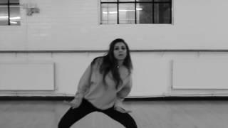 Beautiful Indian Girl Home Dance/ Cheez Badi Video Song Home Dance  in hindi/ in urdu