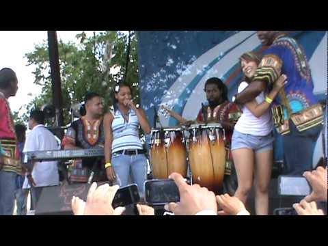 Chicas bailando Punta