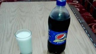 شاهد ماذا يحدث عند اضافة الحليب الي البيبسي لن تصدق ..!!