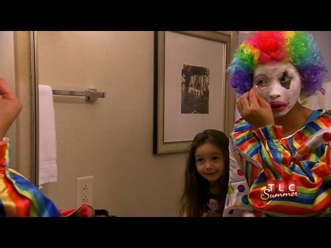 Pageant Mom Works as Clown | Toddlers & Tiaras