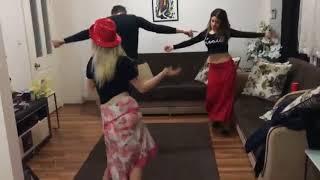 رقص منزلي من بنت قمر   4
