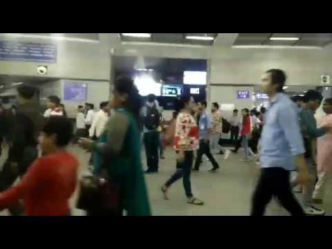 Xxx Mp4 Rajiv Chowk Metro Station Pr Galti Se Blue Film Chal Gayi 😂😂😂😂😂😂😂 Must Watch 3gp Sex