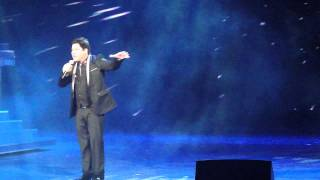 "martin nievera with "" this is the moment """