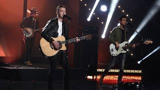 Country Stars LANCO Perform