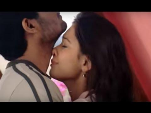 Sidharth - Tamannah Kissing Scene -