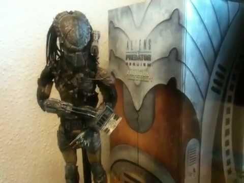 Hot Toys Aliens Vs Predator Requiem Wolf Predator Cleaner Kit Version 1 6 Scale Figure Review