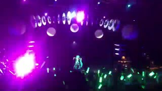[Miku Hatsune Concert 2016] Los Angeles VIP pit view [Full Length Recorded 1080P]