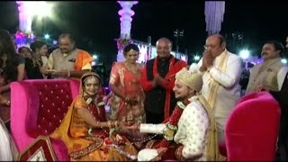 236 Couples Tie Knot At A Mass Marriage In Western India