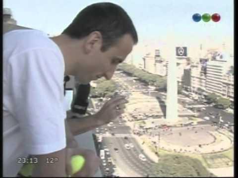 Manu Ginóbili jugando al Chino con el Pelado de CQC