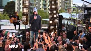 Justin Bieber singing What Do You Mean acoustic on the World Famous Rooftop - September 28, 2015