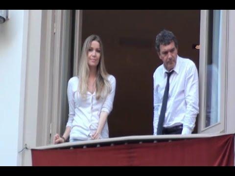 Xxx Mp4 Antonio Banderas Y Su Novia De Vacaciones En Málaga 3gp Sex