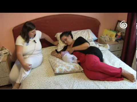 Allattamento regole di un buon attacco al seno. Video 2 3