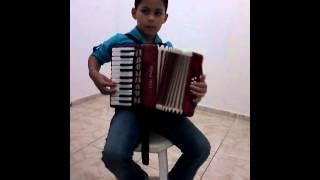 Criança tocando sanfona MATHEUS 7 anos Marília sp