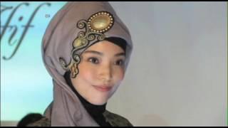 Singapori designer introduces Hijabi fashion style in Tokyo - VOA Ashna