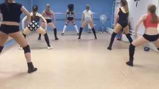 "Twerk / booty dance by Keat Mel, Polina and gir""s"