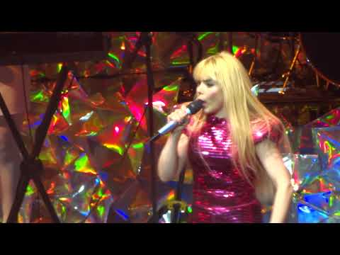 Paloma Faith -  Lullaby - live Leeds 2018