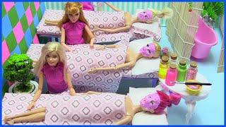 Barbie Ken Làm Nhân Viên Mát Xa Spa (Tập 2) Raquelle Bị Đuổi Việc - Nàng Tiên Cá Đi Spa  Slime