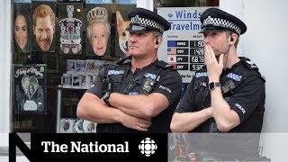 Royal wedding guests arrive to tight security