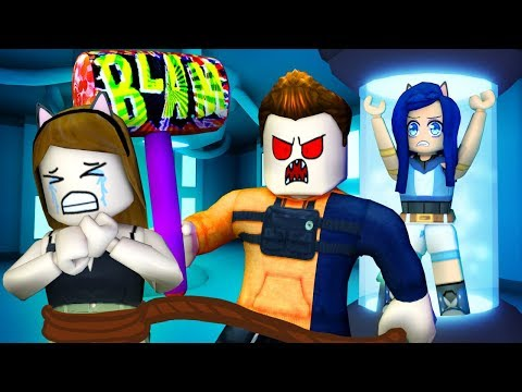 Don t get CAPTURED or you LOSE in Roblox Captive