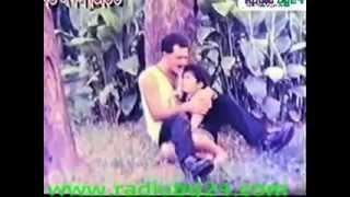 Bangla movie song Salman Shah Lal lal oi gale ekta chumu Premjuddho
