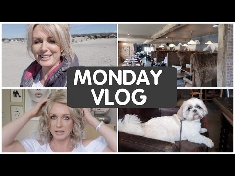 *MONDAY VLOG* -  BEACH GETAWAY (Snippets From my Week)