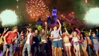 LIVE WHILE WE'RE YOUNG * ONE DIRECTION * AT DISNEYLAND !