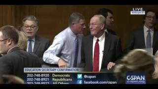 Elizabeth Warren Refuses To Shake Devos' Hand