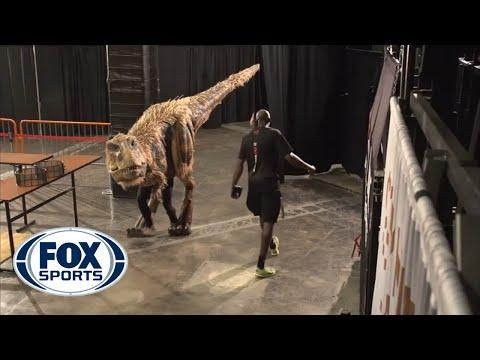 Halloween dinosaur shocks Suns players