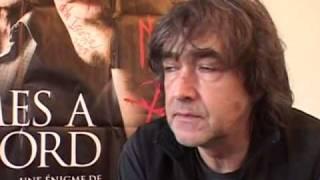 Jean-Louis Murat nu comme un ver
