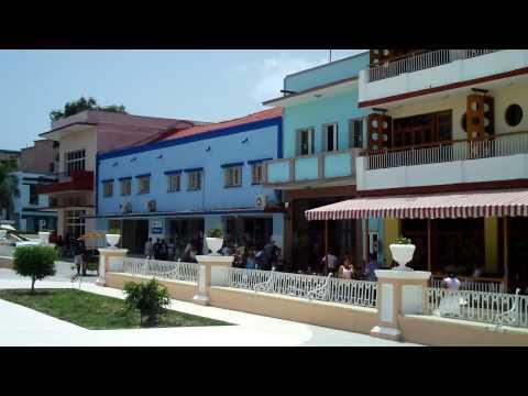 LAS TUNAS CUBA . JULIO 2009 HOTEL CADILLAC Y PIANO BAR